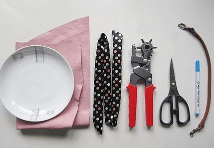 Как сделать стильную сумочку из кожи без пошива-2-png.2079