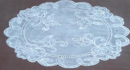 Декорируем старый стол, имитируя кружево-2019-10-22_211758-png.4595
