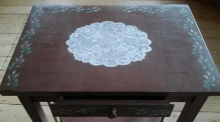 Декорируем старый стол, имитируя кружево-2019-10-22_211930-png.4597