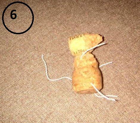 Магнит на холодильник в виде мышек-воришек-5-jpg.7718