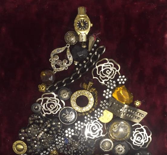 Картина из старой бижутерии: делаем украшение к Новому году-elka-4-png.7940