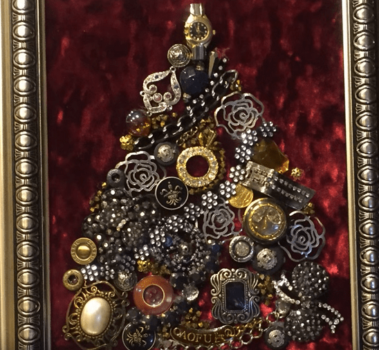 Картина из старой бижутерии: делаем украшение к Новому году-elka-png.7933