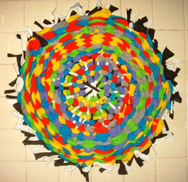 Разновидность ручного ткачества-hula-hoop-rug-02-jpg.2196